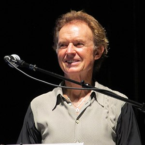 Gary Wright - Wright on stage in Paris, 2011