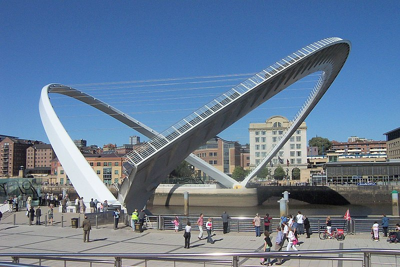 The Gateshead Millennium Bridge, photographed from the side with the BALTIC on.