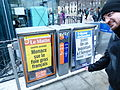 Ginebra, expendedora de periódicos, Suiza, 2015 06.JPG
