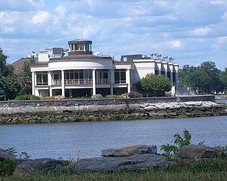 Glen Island Park - Image: Glen Island Casino jeh