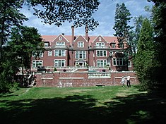 Lake side view of Glensheen.