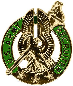 Uniform Service Recruiter Badges (United States) - Gold Recruiter Badge