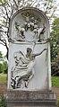 Grabstätte Pasquale Faccenda (1840–1894) aus Marmor, 1909 vom italienischen Bildhauer Federico Fabiani (1835–1914).jpg