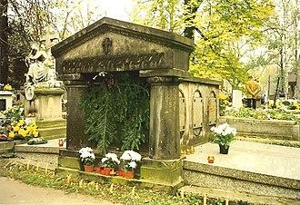 Karol Estreicher (junior) - Tomb of the Estreicher family, where Karol Estreicher, Jr. is buried