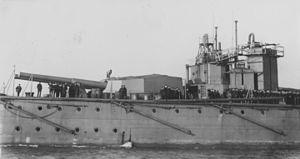 HMS Vanguard aft guns USNHC NH 52619.jpg