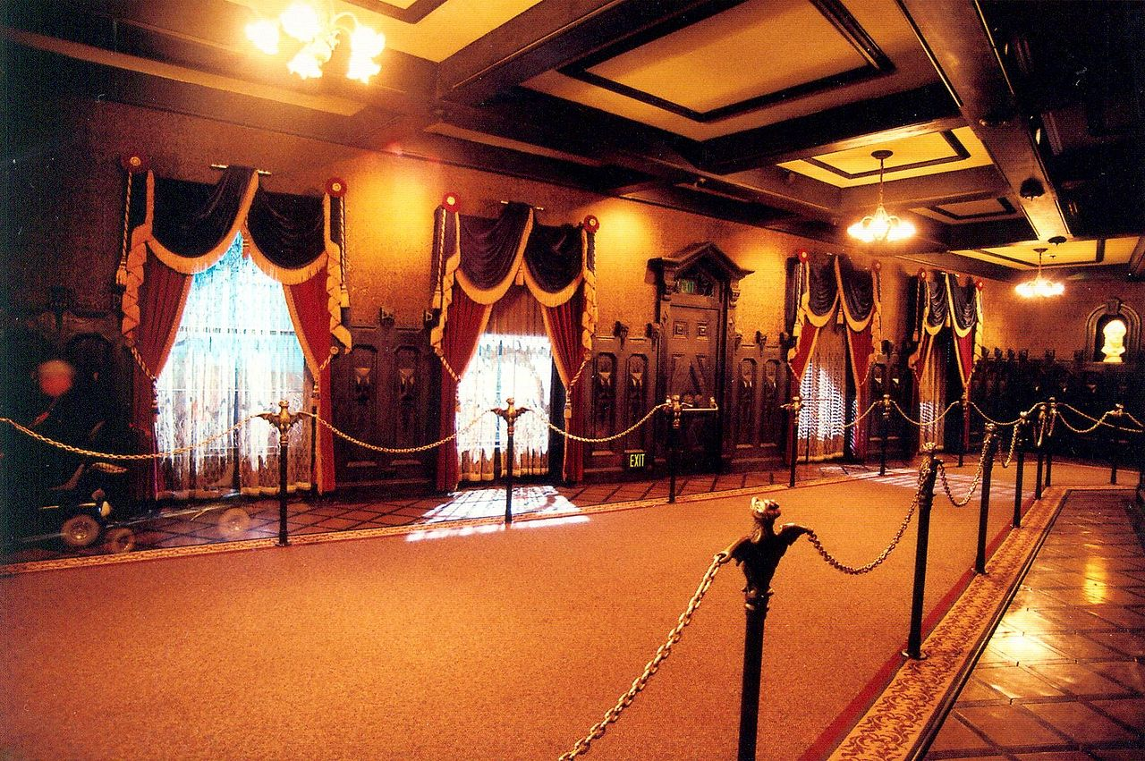 File Hall Of Portraits Haunted Mansion Disneyland Jpg