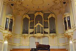 Hamburg Laeiszhalle Orgel.JPG
