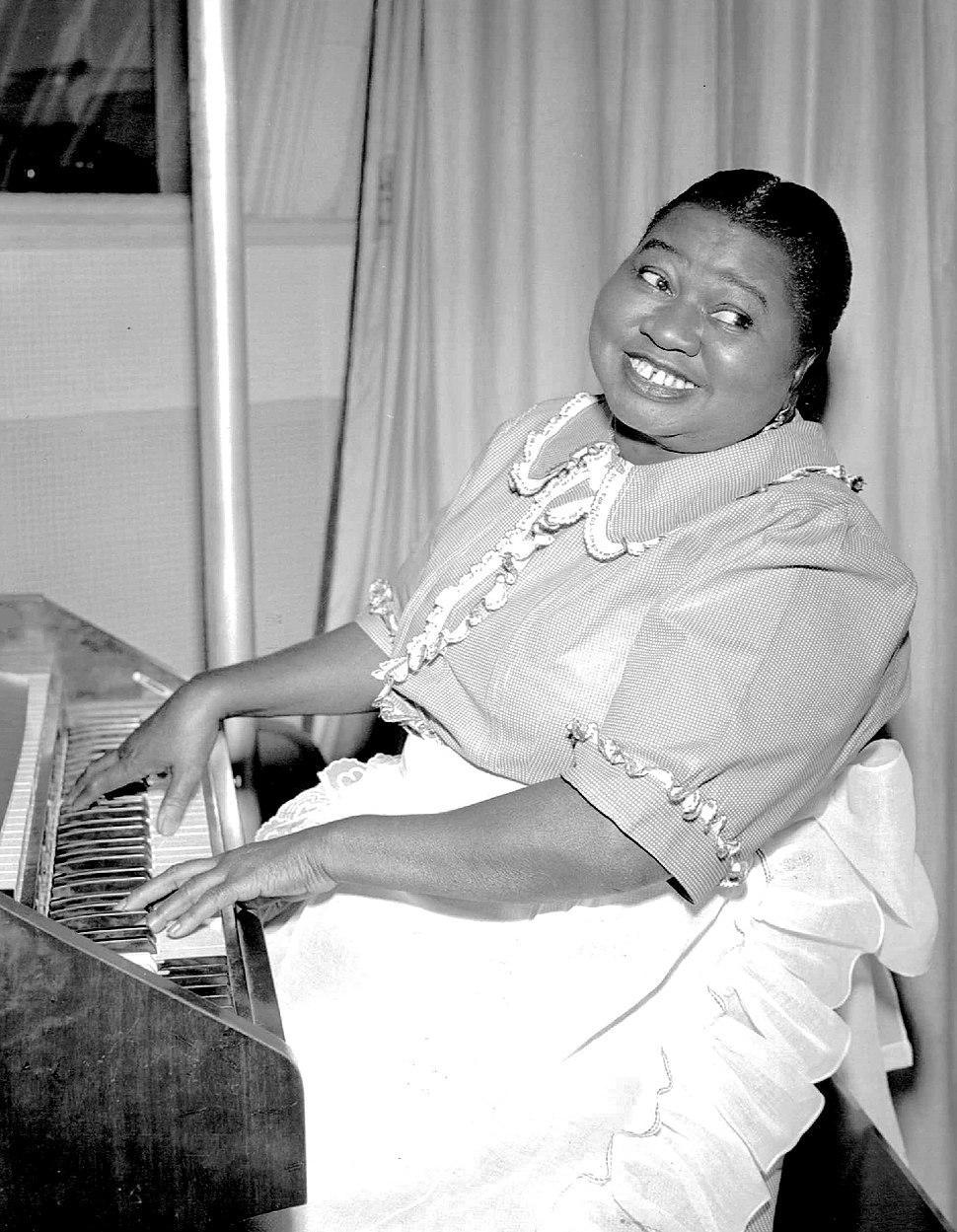 Hattie McDaniel Beulah 1951