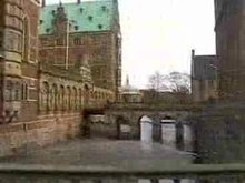Datei:HillerødSchlossFrederiksborg2002Video.ogv