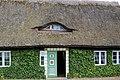 Historisches Bauernhaus in Gingst (Rügen) (2) (12050111973).jpg