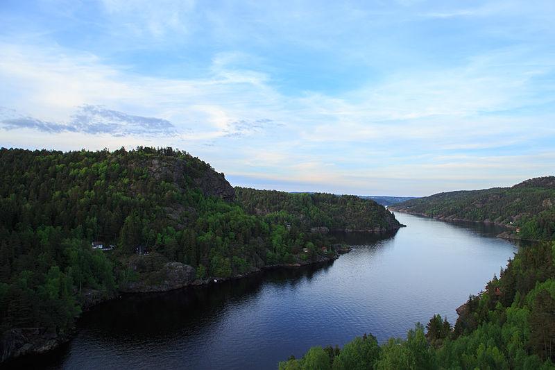File:Hjelmkollen and Ringdalsfjorden (Iddefjorden).jpg