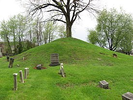 Hodgen's Cemetery Mound from the east.jpg