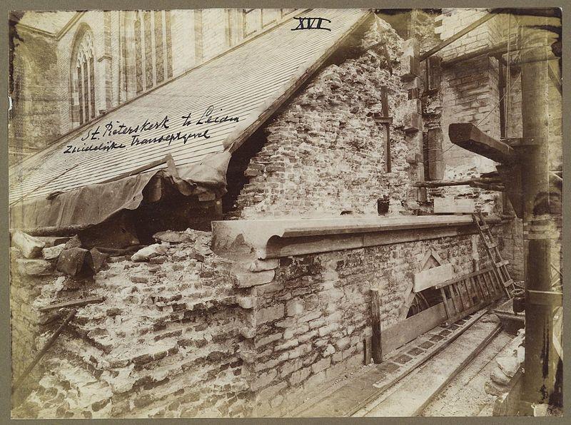 File:Hoek zuidertransept, tijdens de restauratie - Leiden - 20373230 - RCE.jpg