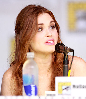 Holland Roden - Roden at the 2013 San Diego Comic-Con