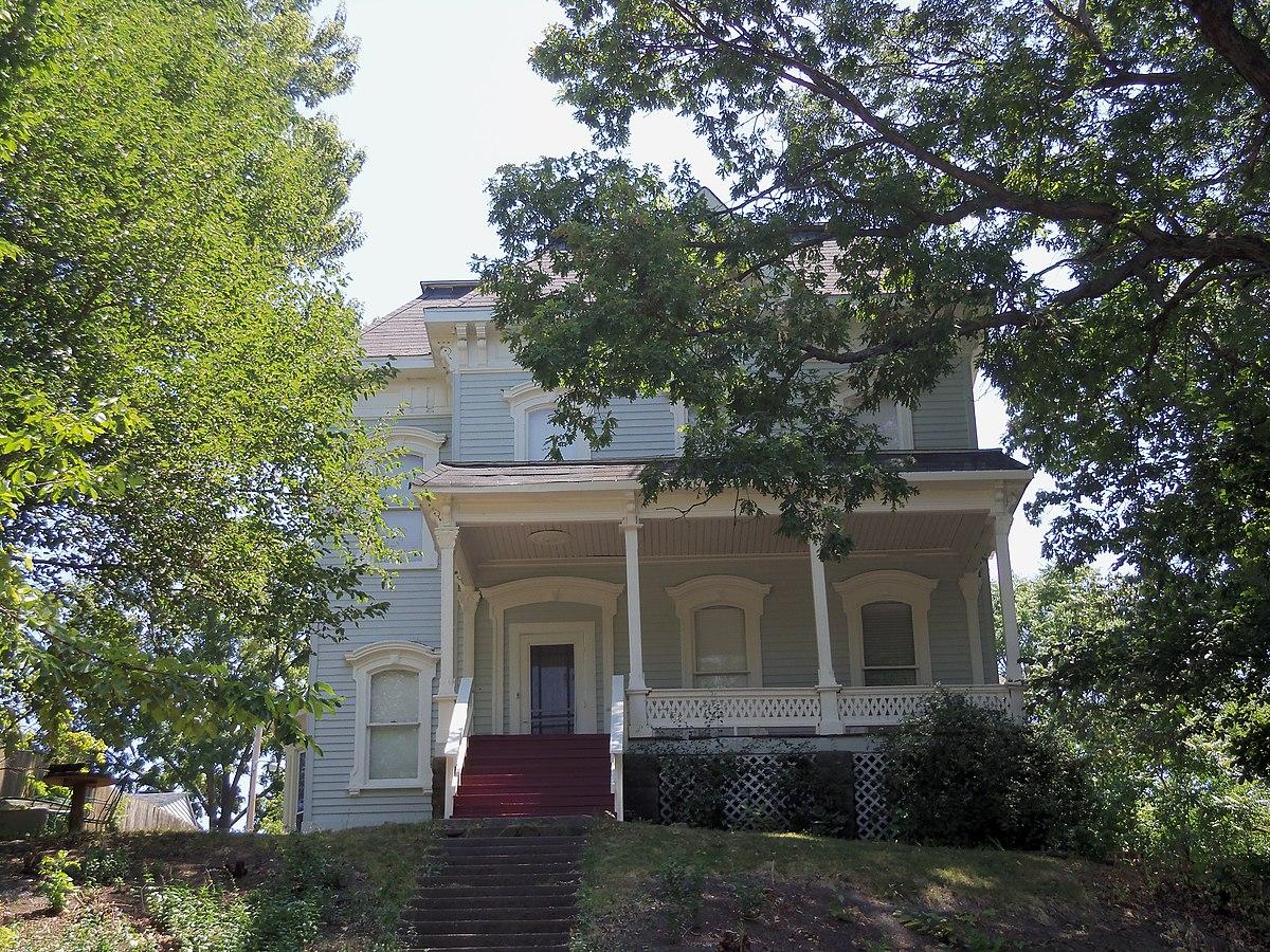 House at 919 Oneida Street