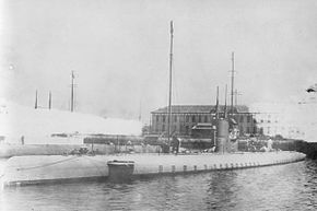IJN SS Ro5 around 1922 at Sasebo.jpg