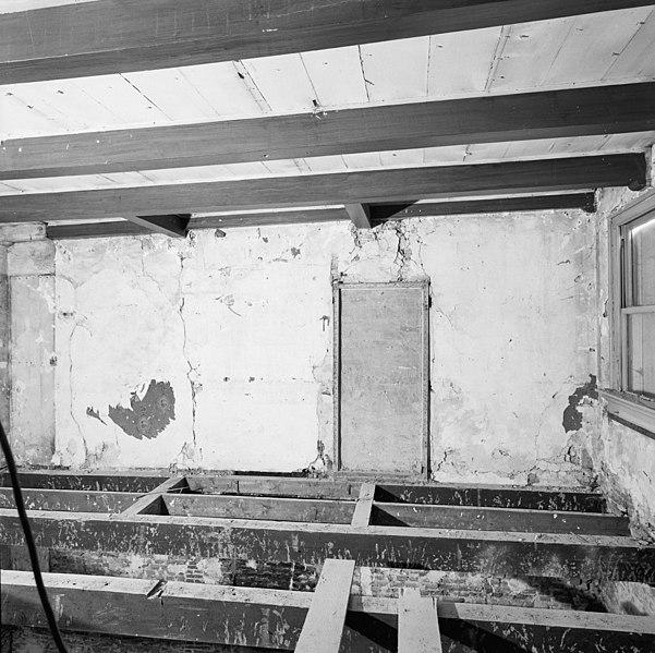 File interieur tweede verdieping kamer links muur for Interieur amersfoort