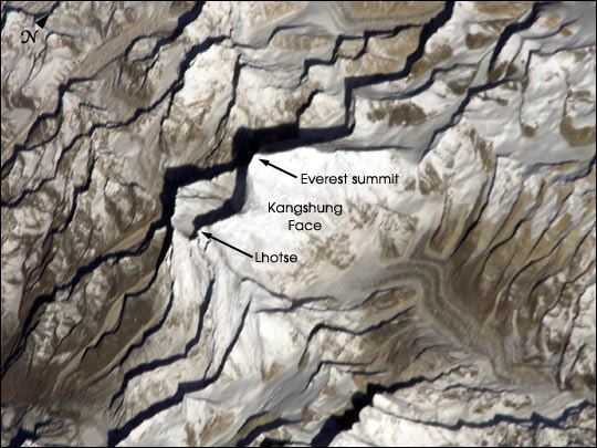 ISS004E8852 everest