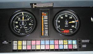 Linienzugbeeinflussung - Main console of an ICE 2 train in LZB mode. The current, the maximum and the target speed is 250 km/h. The target distance is 9.8 km