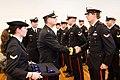 In-doorn-kregen-de-militairen-hun-eerbewijs-uit-handen-generaal-majoor-der-mariniers-ton-van-ede 03.jpg