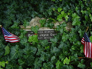 Image of George L. Luthy Memorial Botanical Garden: http://dbpedia.org/resource/George_L._Luthy_Memorial_Botanical_Garden