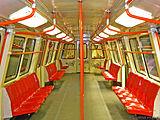 Intérieur de vagon de metrou tip IVA.jpg