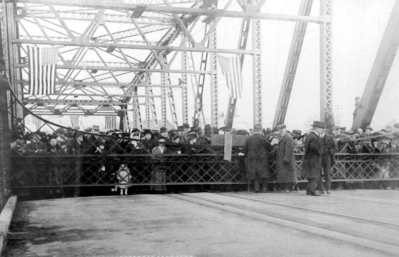 File:Interstate Bridge Opening on February 14, 1917.jpg