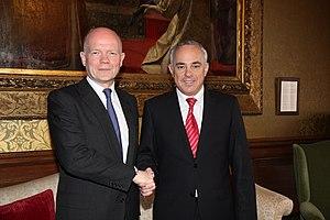 Yuval Steinitz - British Foreign Secretary William Hague with Steinitz in London, April 2014