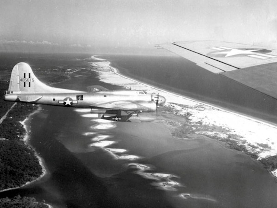 JB-2 on B-17 for air launch over Gulf of Mexico