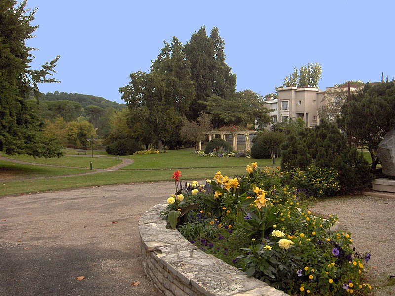 File:Jardin public Ste Foy - panoramio.jpg
