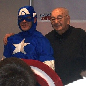 Joe Simon - Simon at the 2006 New York Comic Con with a fan dressed as Captain America