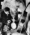 Jorg Mager with cello instrument, 1938 01.jpg