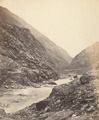 KITLV 100544 - Unknown - River through the mountains, probably in Kashmir in British India - Around 1870.tif