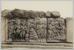 KITLV 12232 - Kassian Céphas - Reliefs on the terrace of the Shiva temple of Prambanan near Yogyakarta - 1889-1890.tif