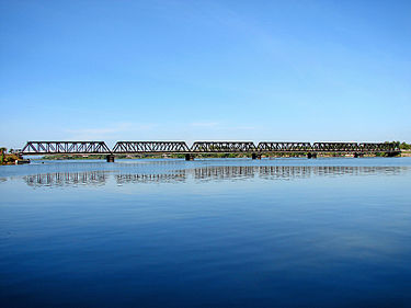 Kallady Bridge Batticaloa.jpg
