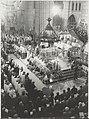 Kardinaal Willebrands betreedt de altaarruimte in de Kathedraal St. Bavo bij de uitvaartdienst van Mgr. Zwartkruis. NL-HlmNHA 54014403.JPG