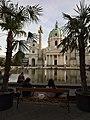 Karlskirche mit Bassin, Wien.jpg