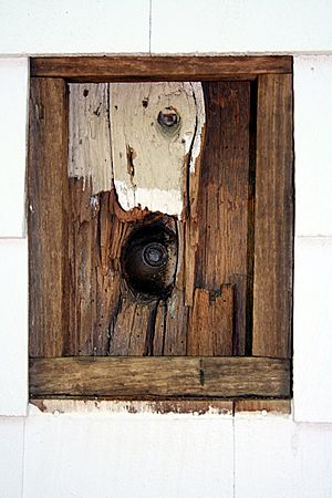 Battle of Ridgefield - British cannonball lodged into a corner post at the Keeler Tavern