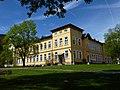 Kitzbuehel-Volksschule.JPG