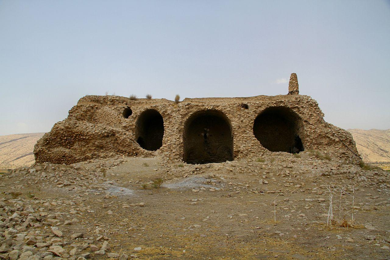 کاخ خوره اردشیر در نزدیکی بزپر یا سرمشهد
