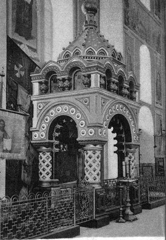 Гробница Кузьмы Минина в Спасо-Преображенском соборе кремля. Возведена Л.В.Далем в 1874 году