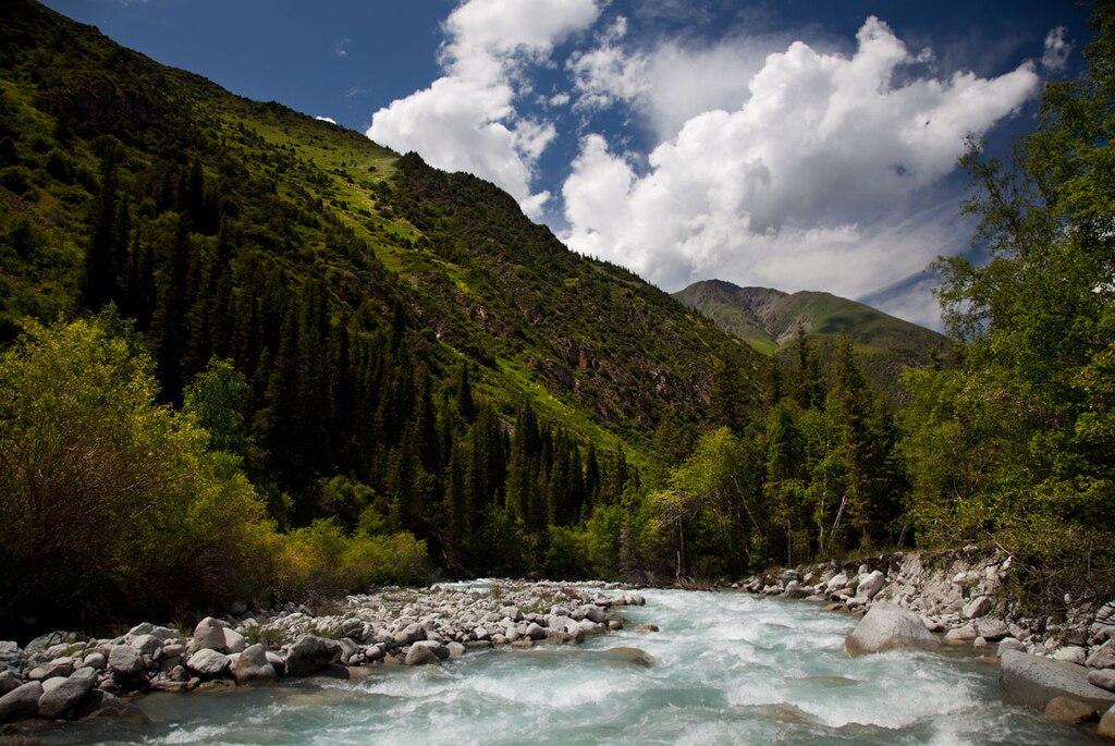 Kyrgyzstan Ala Archa National Park 01.jpg