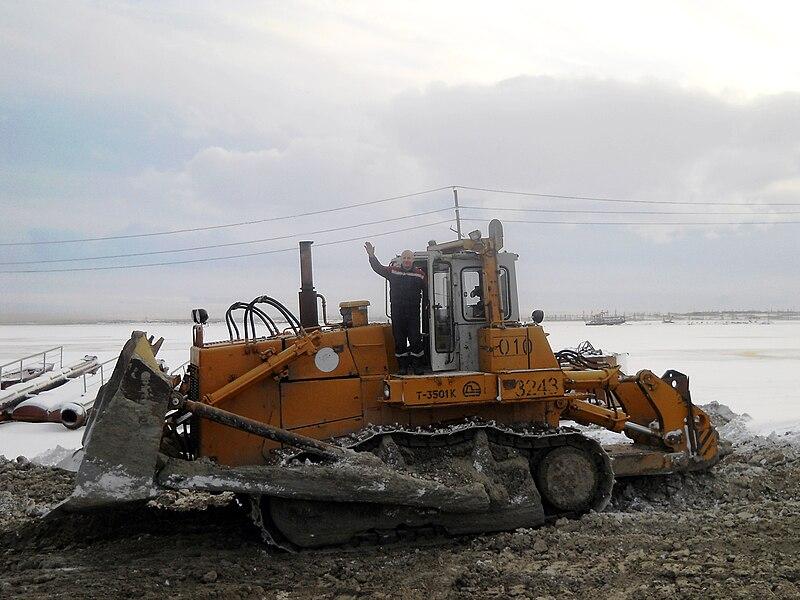 File:LLC Laukar bulldozer T-35.01.jpg