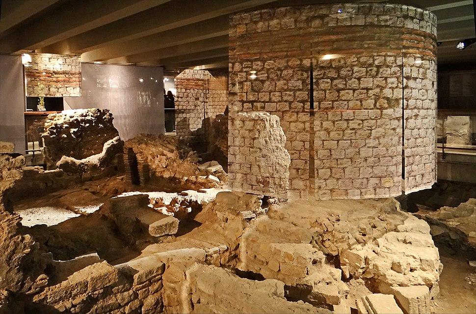 La crypte archéologique du Parvis de Notre-Dame (Paris) (8274683584)