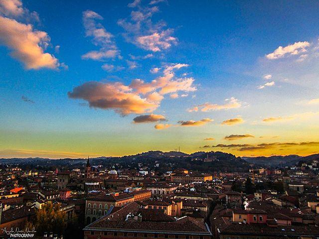 File La Vista Panoramica Su Bologna Dalla Terrazza Di San