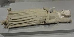 Français: Fragment d'un monument funéraire d'une dame inconnue: la défunte couchée (gisante)