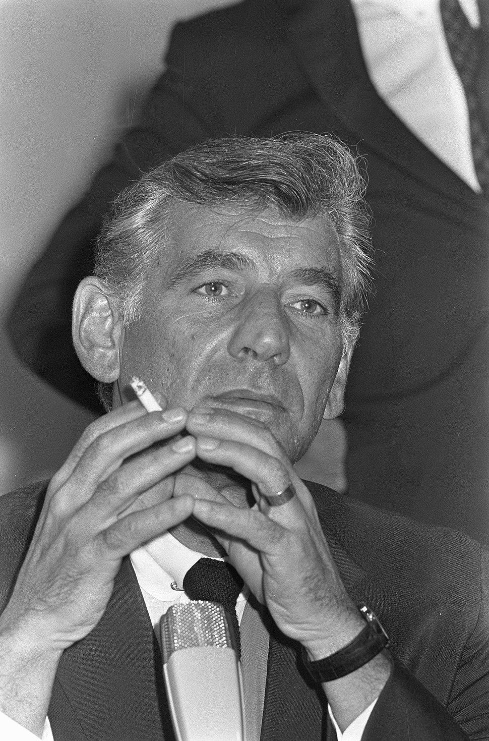 Leonard Bernstein in gepeins, Bestanddeelnr 921-6974