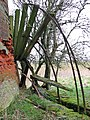 Limpenhoe drainage mill - the scoop wheel - geograph.org.uk - 1753787.jpg