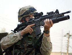 fusil d'assaut M4 avec lance-grenade M2003, l'actuelle arme standard des fantassins