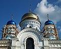 Maloyaroslavets Uspensky domes 01.JPG